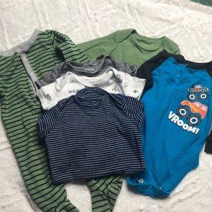 6 pieces baby onesies